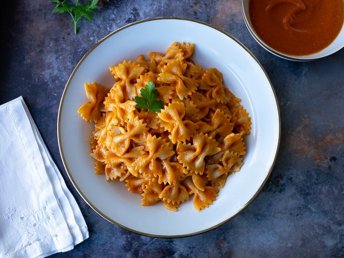 Simple tomato sauce with farfalle